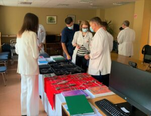 Sales Manager Toma Tylenytė presentig surgical instruments to traumatologists and plastic surgeons
